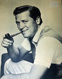Pipe Tobacco Smoker
